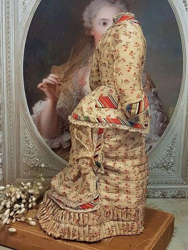 An Elaborate Antique Three Piece Silk Lady´s Gown with Train