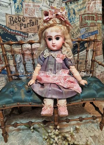 "Rare 9,5 "" Size 1 Mademoiselle Jumeau in Pretty Antique Clothing"