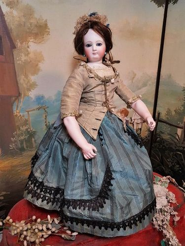 ~~~Beautiful French Poupee by Jumeau with Pretty Antique Costume ~~~