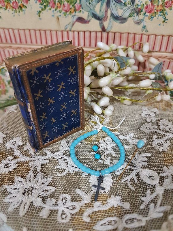 ~~~ Rare early Poupee Blue Bead Necklace and Earrings in Box ~~~