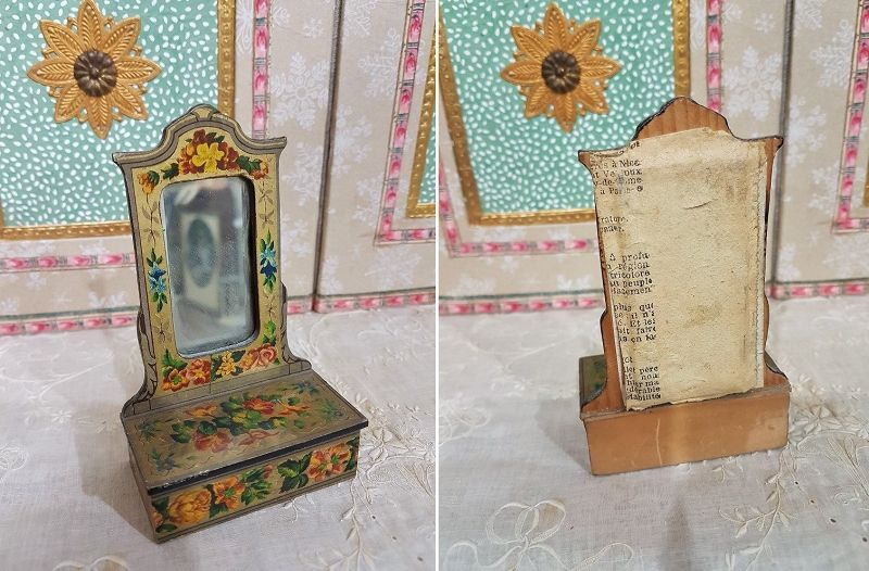 Charming Petite Dollhouse Lithographed Wooden Furniture / 1880