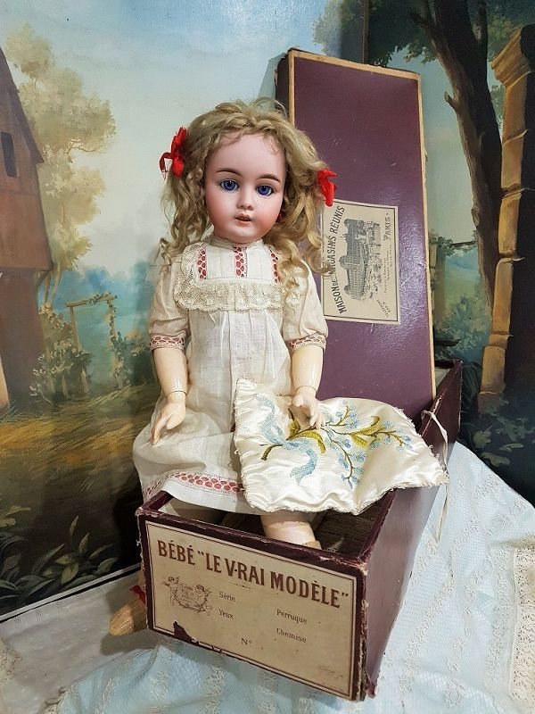 ~~~ Pretty all Original French Bisque Bebe with Box ~~~