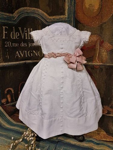 ~~~ Pretty Antique all original French Pique Bebe Gown / 1865 th.~~~