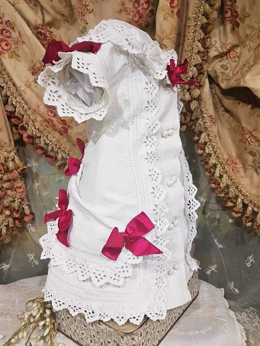 ~~~ Pretty Antique French Pique Dress / 19th. Century  ~~~
