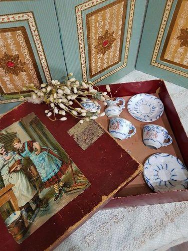French Bebe´s Porcelain Service in original Presentation