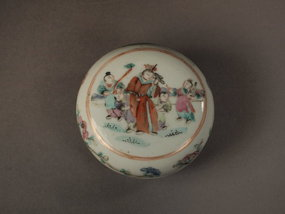 Chinese porcelain seal paste or cosmetics box