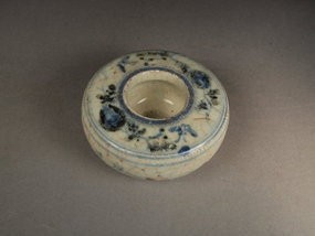 Chinese porcelain water pot, underglaze blue