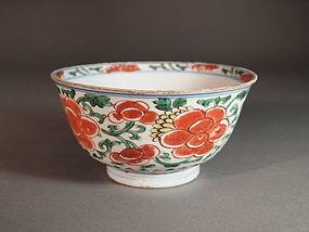 Chinese enameled porcelain bowl