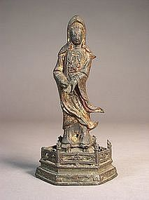 Chinese bronze figure of Guanyin