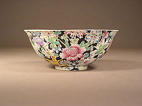 Chinese mille-fleurs enameled porcelain bowl