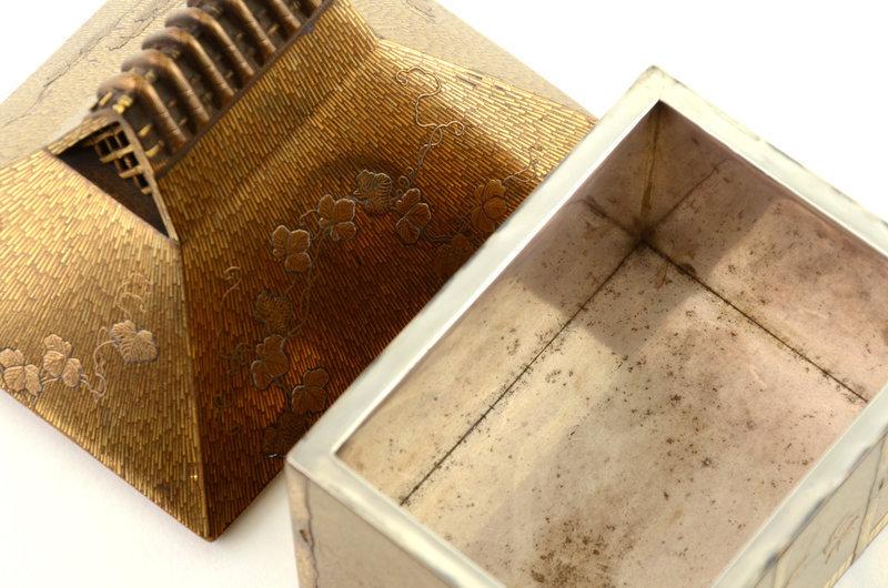 Japanese Makie lacquer House Shape Incense Burner