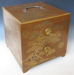 Lacquer Makie Box