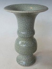 Antique Chinese Song Style glazed crackle vase