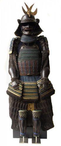 Japanese Akoda Nari Armor with Swallow Tail Meadate