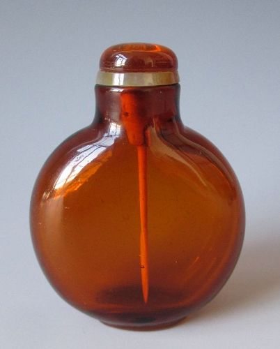 Chinese Antique Amber Color Glass Snuff Bottle