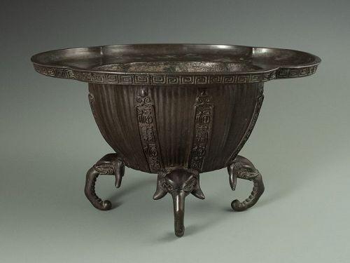 Japanese Antique Bronze Suiban
